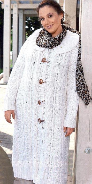 Пальто связанное спицами больших размеров